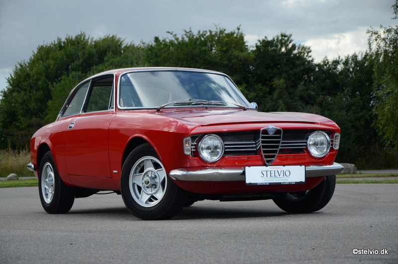 Alfa romeo giulia sprint for sale uk