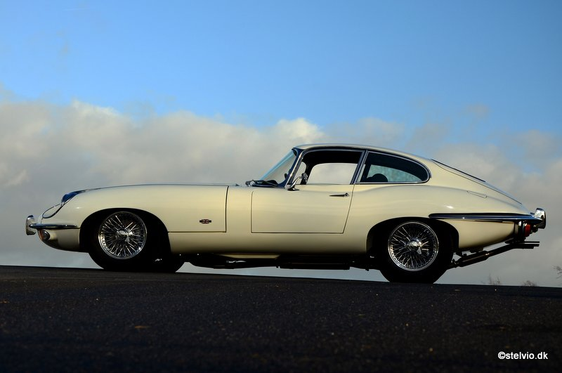 Jaguar E-Type 4.2 FHC